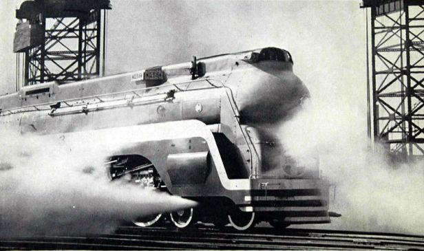 800px-Santa_Fe_streamlined_steam_locomotive_the_Chief
